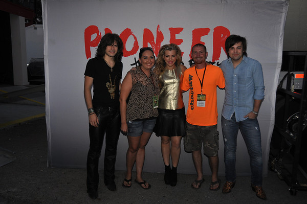 Labor Day concert meet and greets